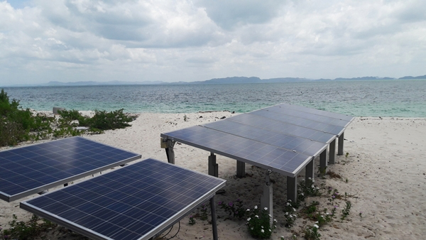 Renewable Energy Hybrid Grid Systems for Thai Islands