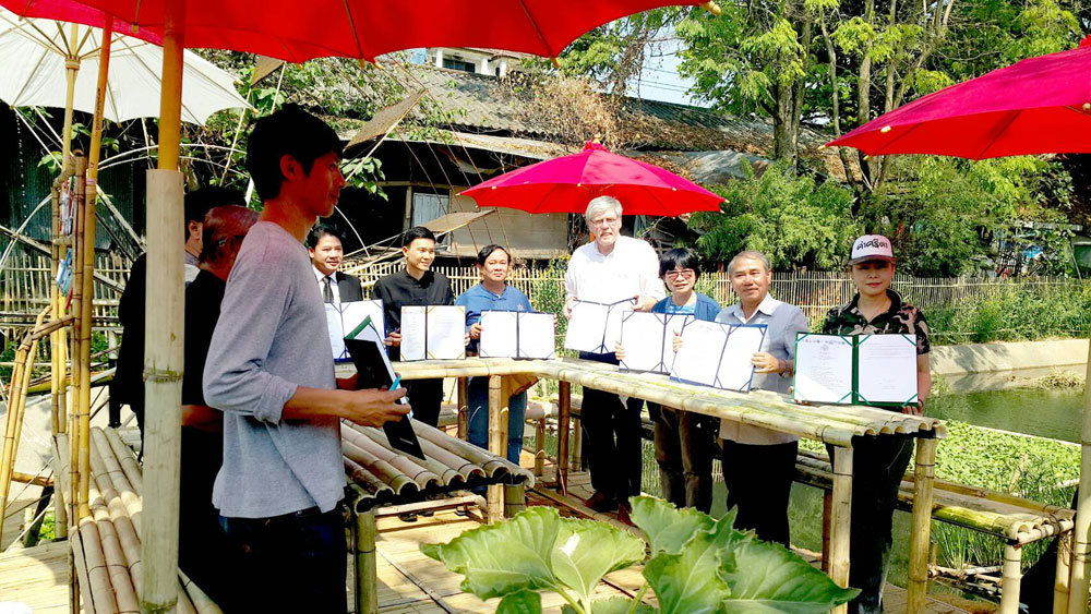 Chiang Mai Municipality, 13 other organisations and GIZ join hands to rehabilitate Mae Kha Canal