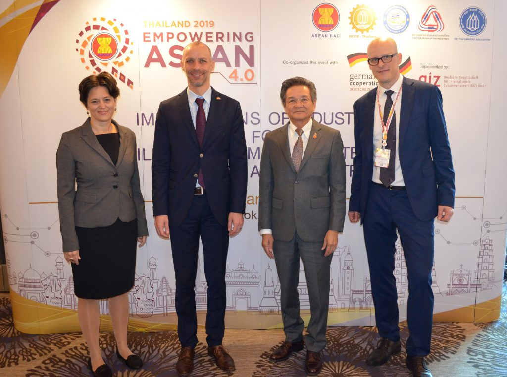 Empowering ASEAN 4.0: Implications of Industry 4.0 for Skills Development Strategies of Business and Industry