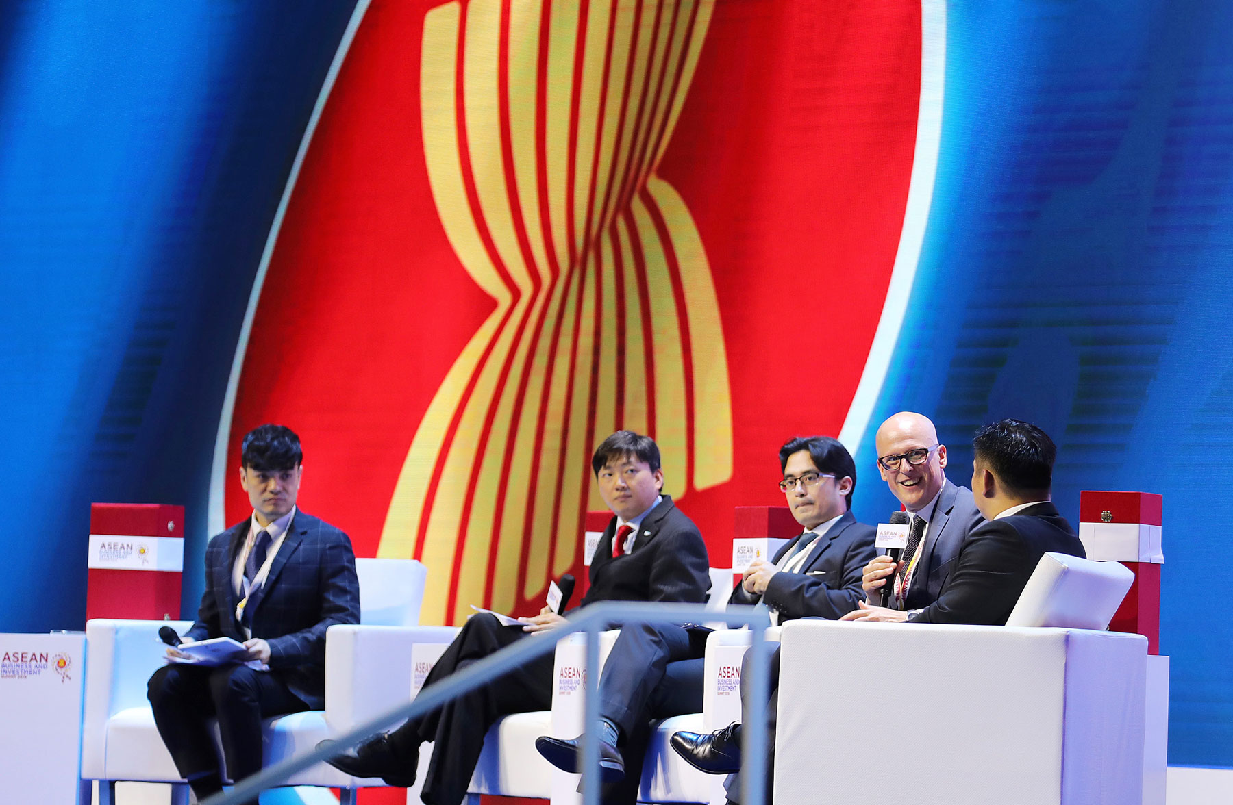 Human resource development for the 4th Industrial Revolution is emphasised at the ASEAN Business and Investment Summit 2019