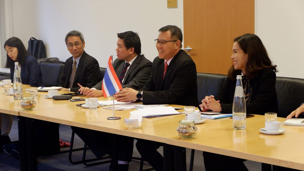 The delegation and Permanent Secretary Chaiwat Thongkamkoon