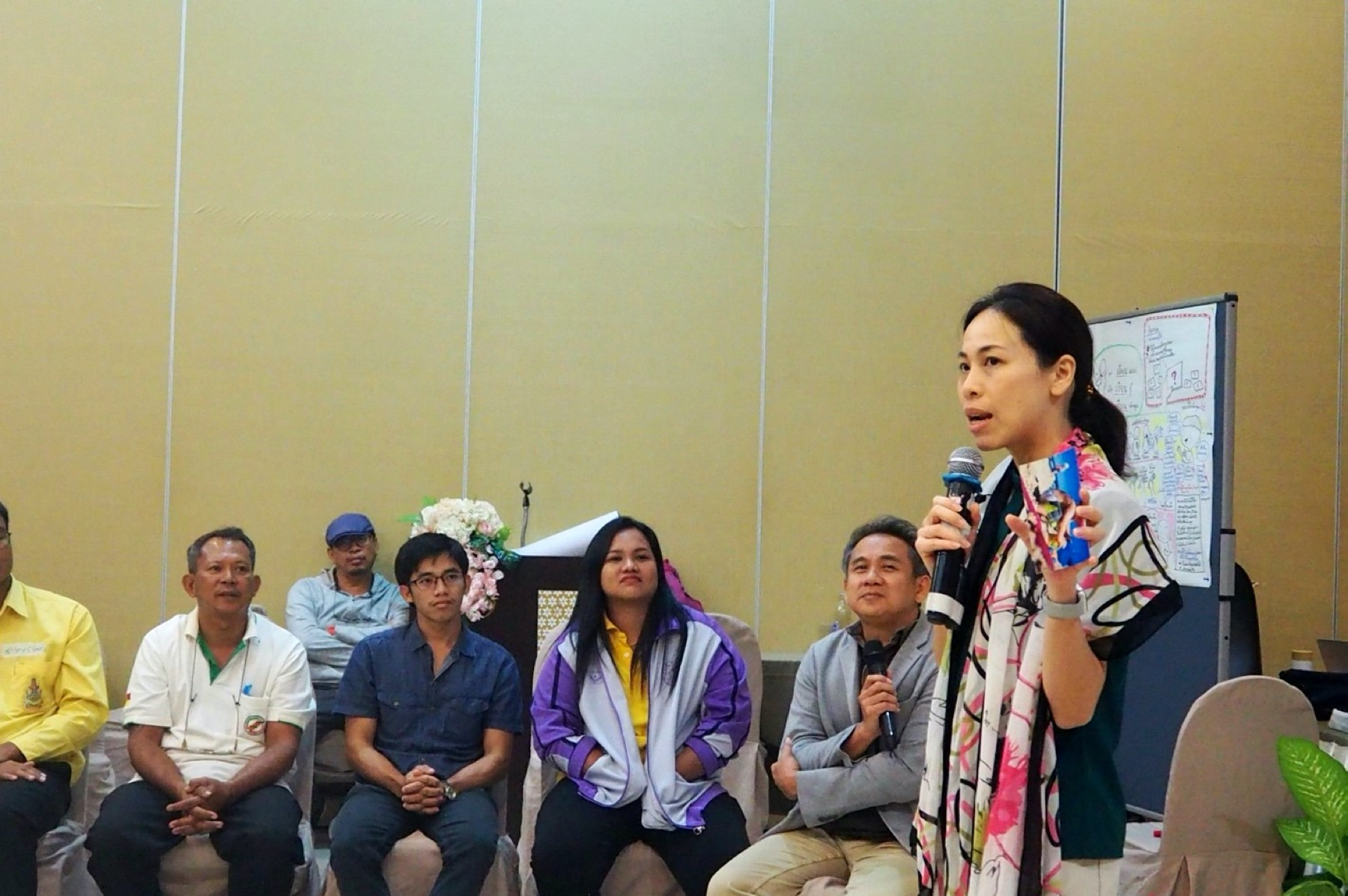 Speakers reflect the feelings towards the training for farmers and agricultural extension staff in Surat Thani Province in July 2019 (Photo credit: GIZ Thailand)